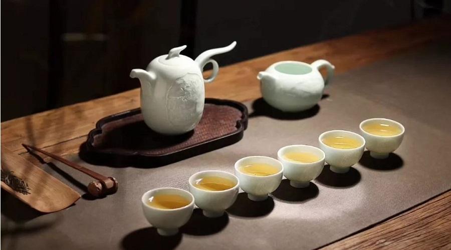 Tách trà của Trung Quốc có nguồn gốc từ chiếc bát. (Ảnh qua unsplash)