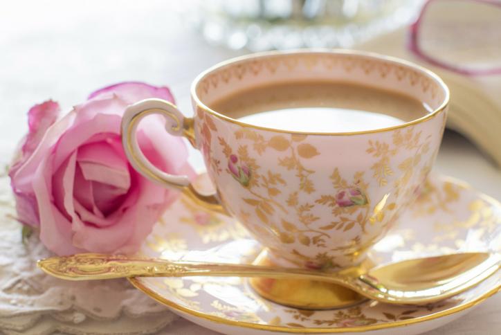 Kết quả hình ảnh cho secangkir kopi bunga mawar